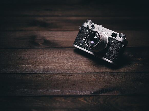 camera-820018_1280